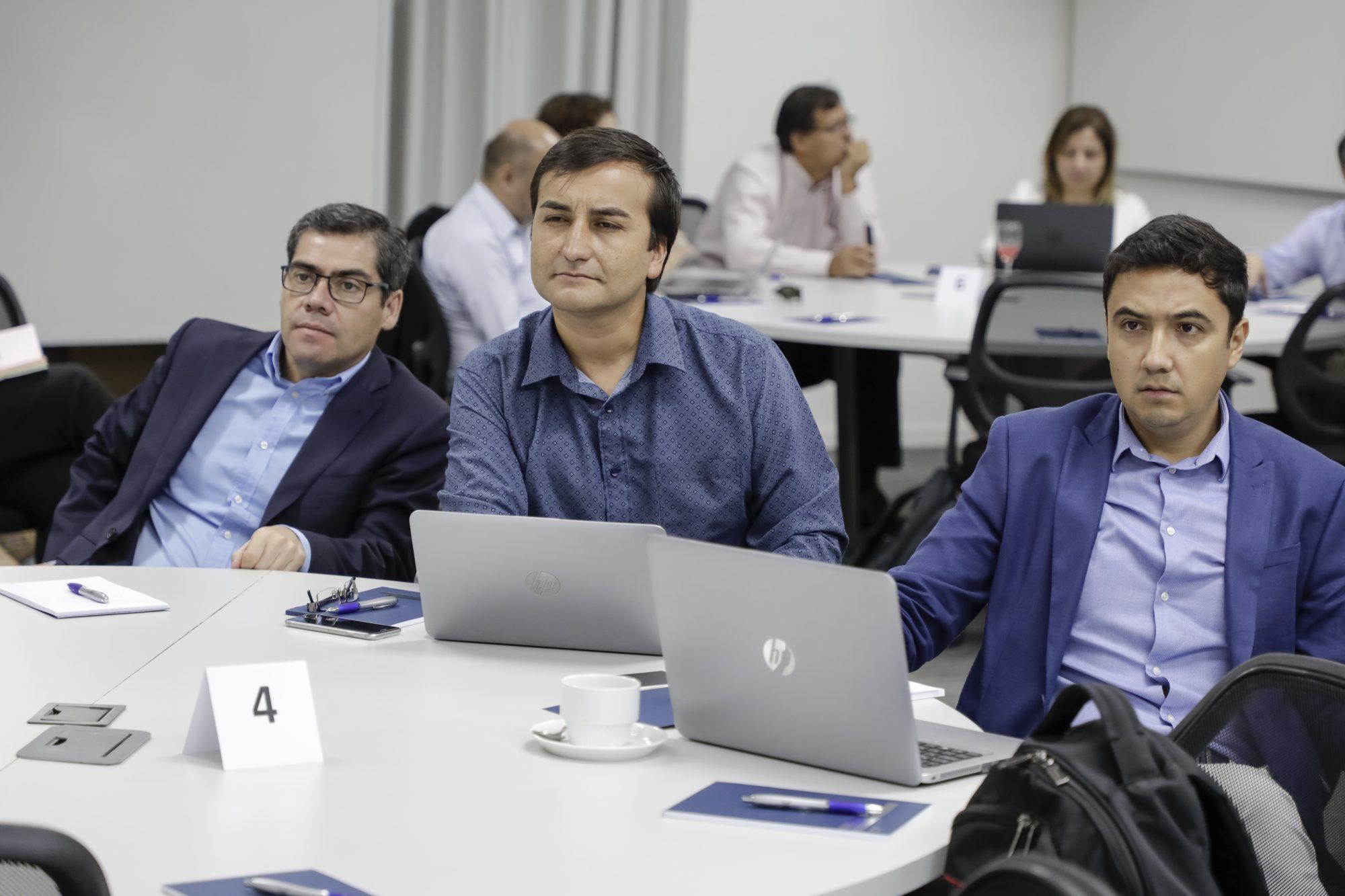 primer-encuentro-acreditacion-internacional-6-unab