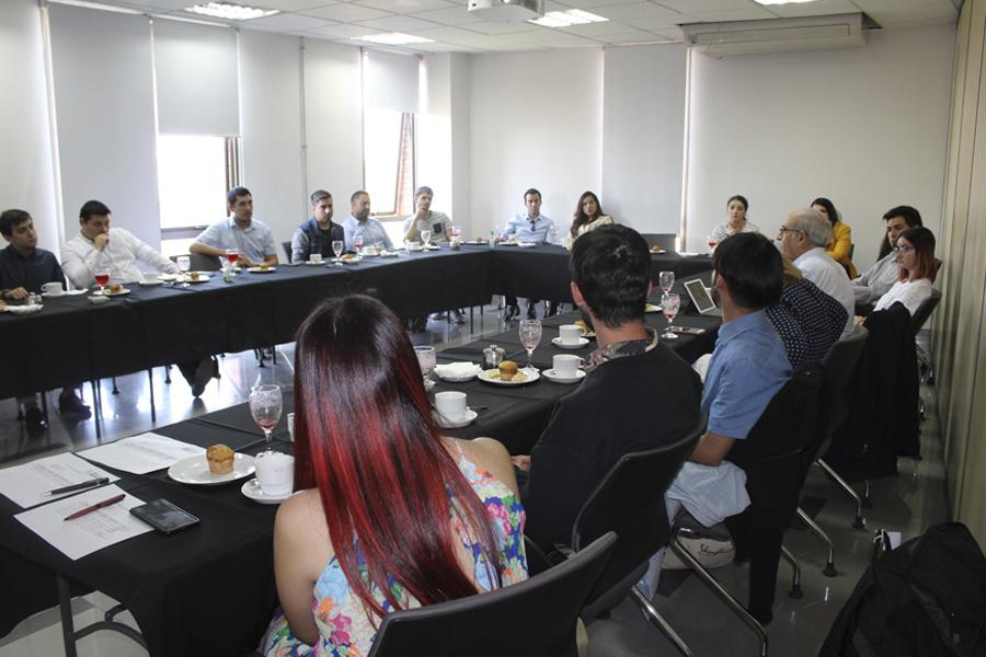 Reuniones con titulados UNAB  para la socialización del autoestudio en Sede Santiago.